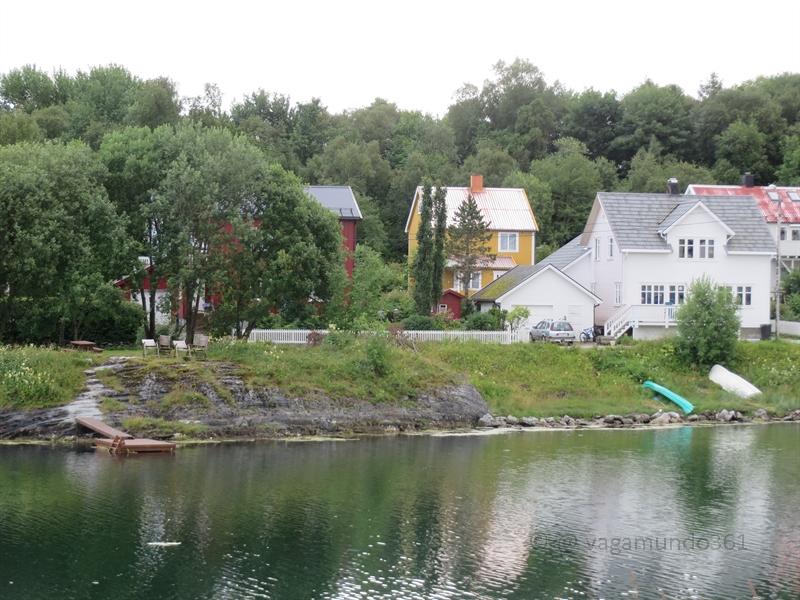 Am Kanal in Brønnøysund